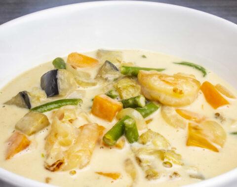 Ginataang Hipon (Crevetten, Gemüse, Kokosnuss-Sauce)